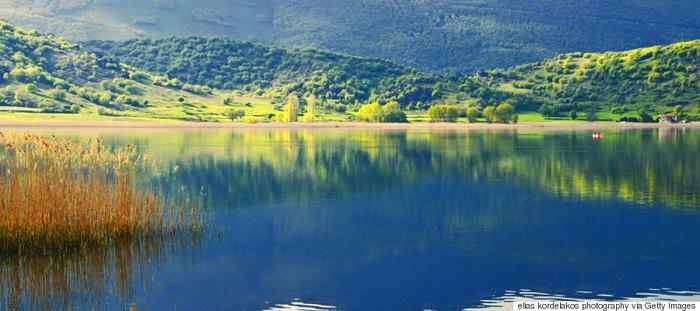 Αυτά είναι τα 10 μέρη της Ελλάδας που πρέπει να επισκεφτείτε έστω για μία φορά στη ζωή σας!