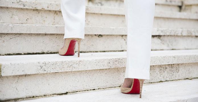 Περπάτημα με τακούνια (3)