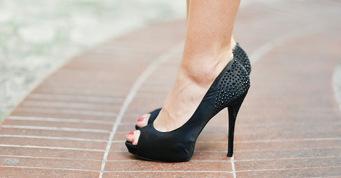 Περπάτημα με τακούνια (7)